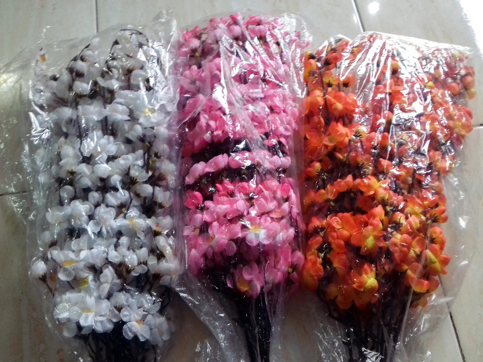 Indonesia. Bunga Sakura 1 Lusin Beserta 12 Tangkai 5d34d41d52