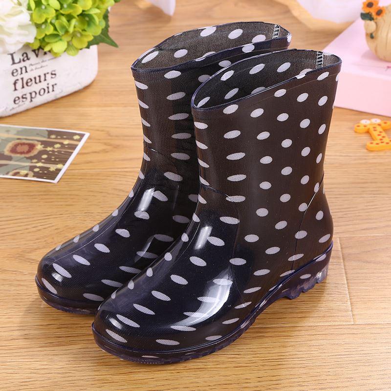 Indah Schick Sepatu karet perempuan remaja perempuan musim panas Model  Empat Musim model wanita sepatu boots 546879cc4f