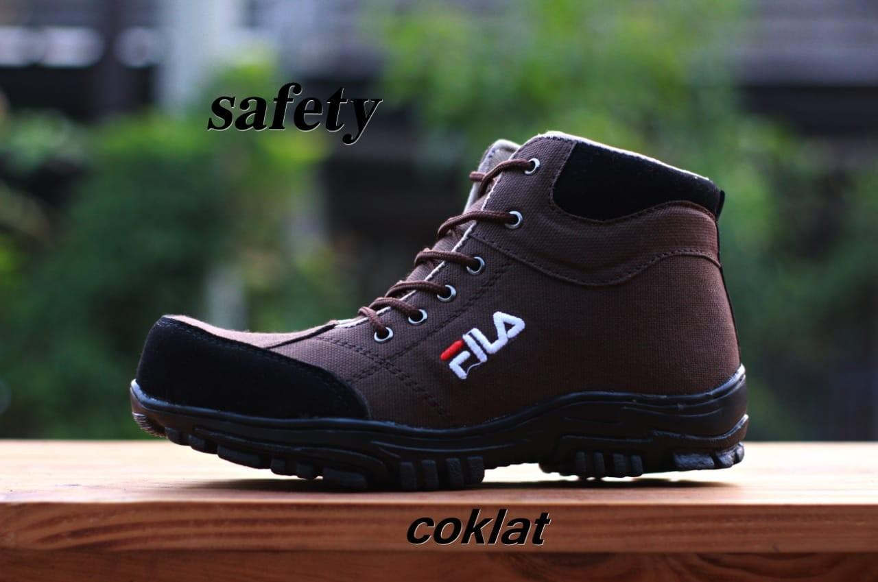 Sepatu Fila Safety Boots Tracking Sneakers Pria