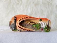 Gloria Bellucci - Souvenir magnet kulkas indonesia jakarta sandal