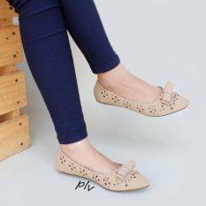 Harga Gratica Sepatu Flat Shoes Laser Am49 Cream Yg Bagus