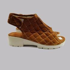Diskon Sepatu Wanita Wedges Karen Coklat Akhir Tahun