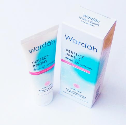 Wardah Perfect Bright Tone Up Cream 20ml Cream Pelembab Untuk Wajah Kusam Cream Pelembab Untuk Kulit Kering Cream Pelembab Untuk Wajah Berminyak Cream Pelembab Untuk Kulit Normal Lazada Indonesia