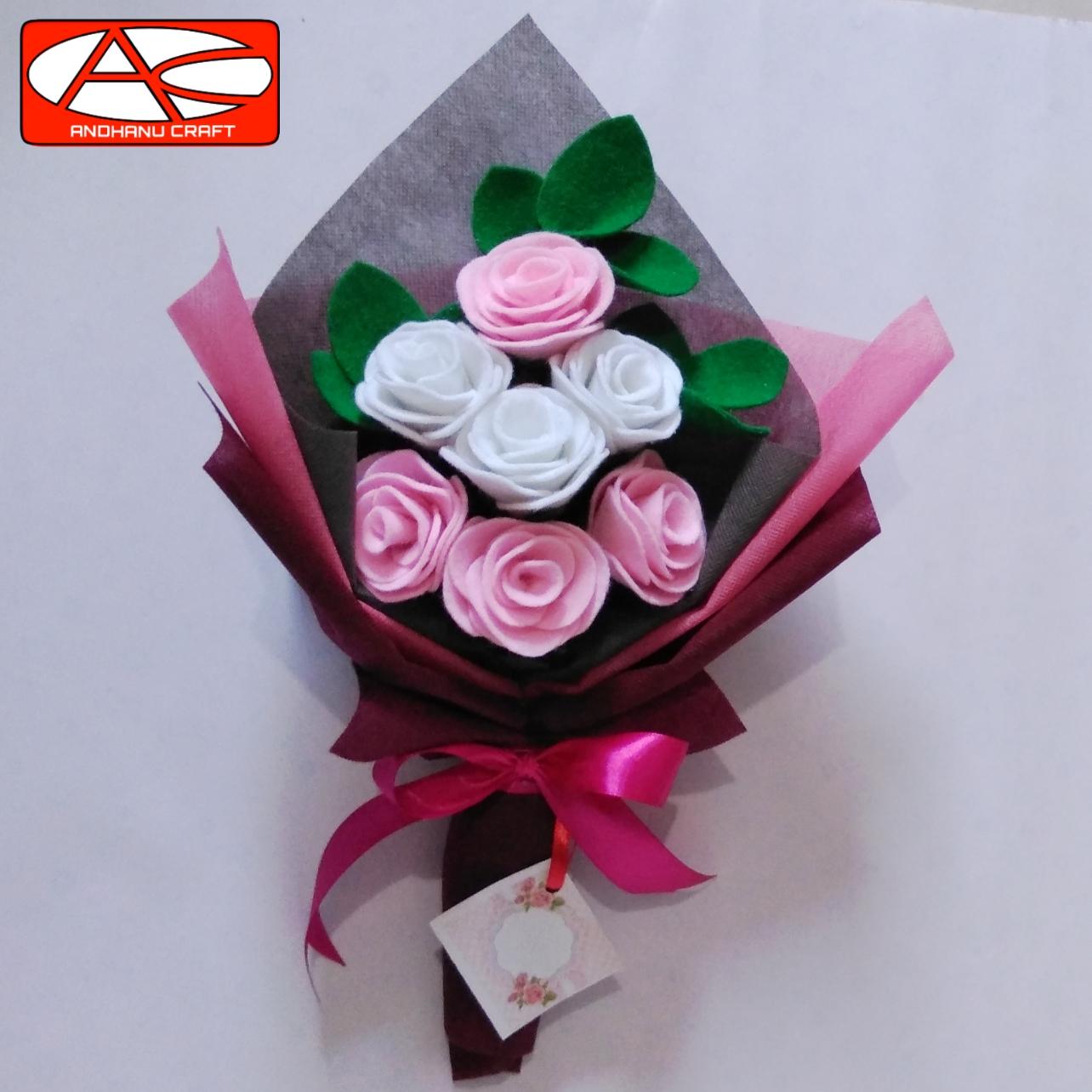 Hand Buket Bunga Mawar Flanel 7 Tangkai Kado Wisuda Hadiah Orang