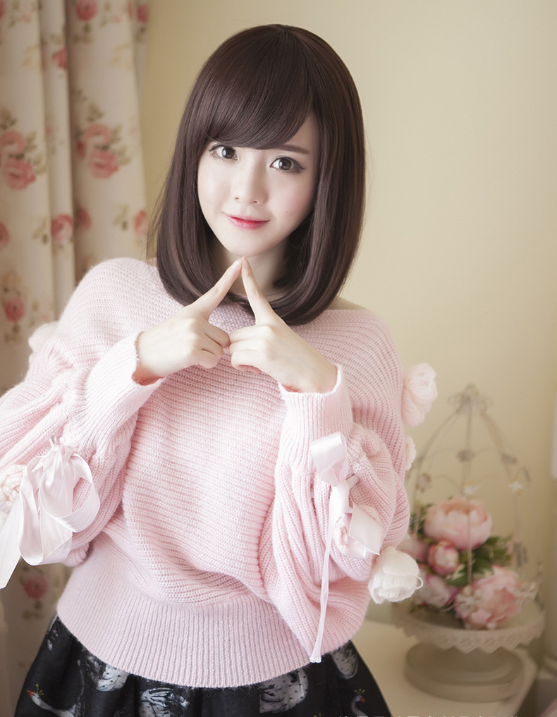 Short Curly Hair With Bangs Girls 82