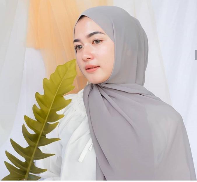 Hijab Pashmina Jilbab Pasmina Kerudung Pashmina Pashmina Sabyan Pashmina Diamond Stretch Kerudung Pasmina Jilbab Pasmina Hijab Pasmina Polos Basic Panjang Jilbab Diamond Italians Diamond Crepe Lazada Indonesia