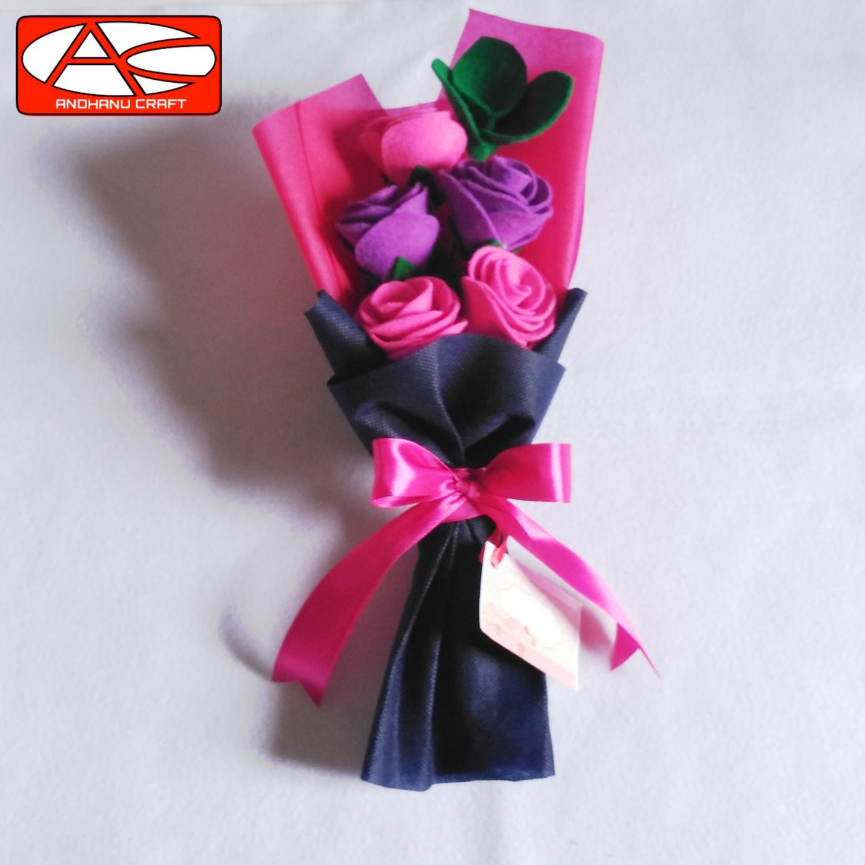 Hand Buket Bunga Mawar Flanel 5 Tangkai Kado Wisuda Hadiah Terkasih Hari Ibu Lazada Indonesia